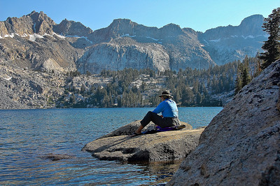 sierra-mountains-lake-camping