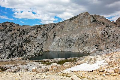 sierra-mountains-lake