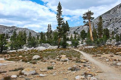 sierra-mountains-trail-Edit