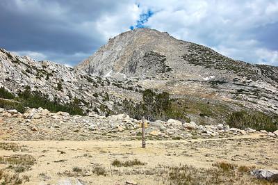 sierra-mountains-trail-3