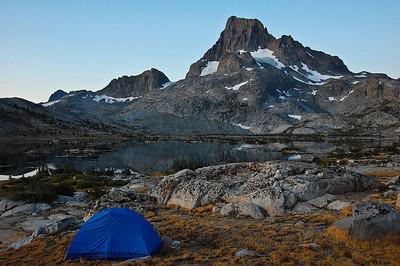 mount-banner-lake-tent
