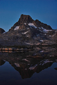 mount-banner-reflection-night-Edit