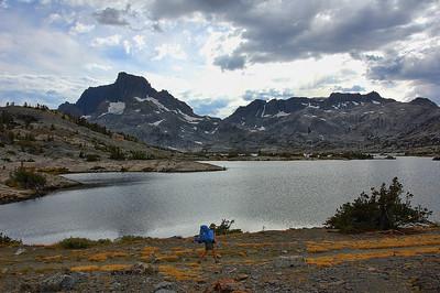 mount-banner-lake-hiker
