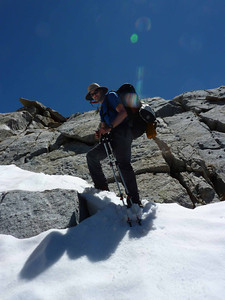 Guide Banning descending a tricky pass in Kings Canyon.