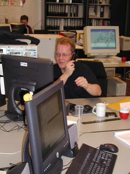 Rob<br /> Ziet iets grappigs op zijn scherm