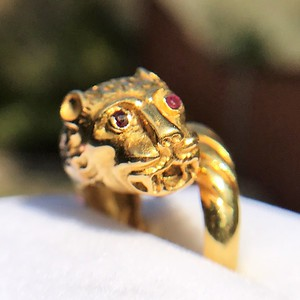 Gold Lion Ring, by Zolotas