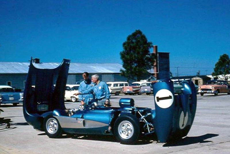 # 1 - FIA - 1957 - Sebring, John Fitch, Zora Arkus Duntov, Corvette SS prototype