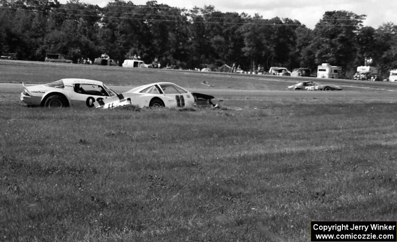 # 75 - 1981 SCCA TA - Bard Boand crashed (background right)