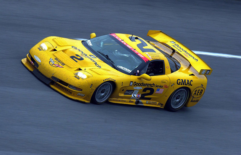 Overall winners of the 2001 Rolex 24 Hours at Daytona: Ron Fellows, Johnny O'Connell, Frank Freon and Chris Kneifel, and the Chevrolet Corvette C5-R race car of Corvette Racing.
