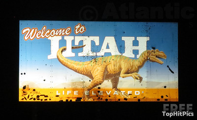Welcome To Utah Sign in Uintah County, Dinosaur, Utah