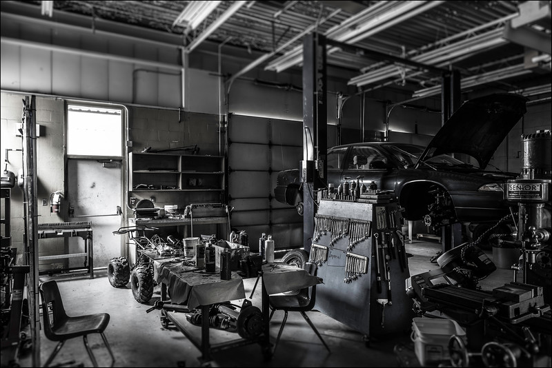 Auto Mechanics, 2016. ©Luke Potter