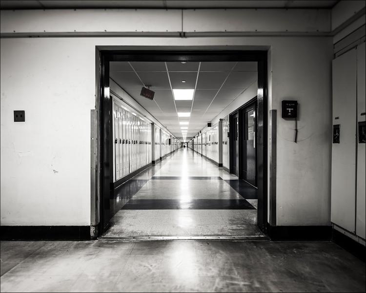 Hallway, 2016. ©Luke Potter