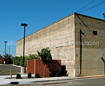 Moms Blue Plate Diner parking in San Jose, California