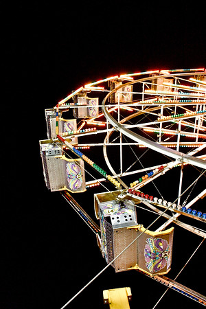 Nighttime carnival ferris wheel in San Jose, California