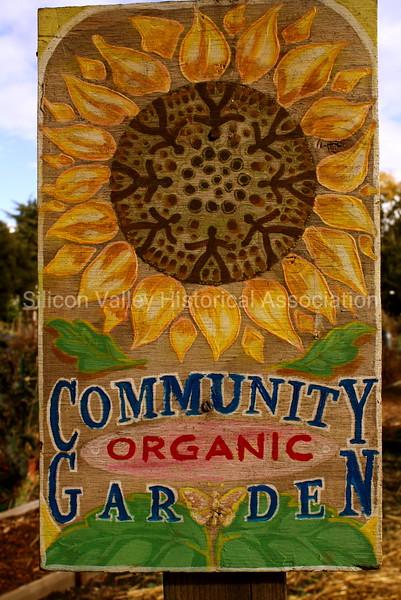 Community Organic Garden Wooden Sign in Palo Alto