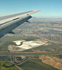Silicon Valley - descent into the San Jose International Airport