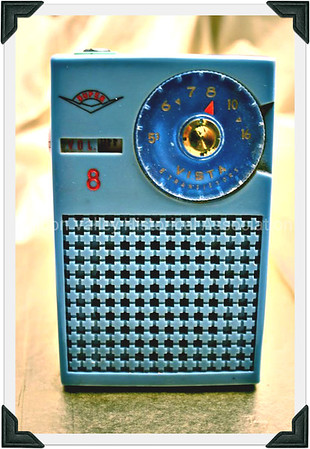 Super 8 Vista Transistor Radio