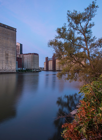 Buffalo River and Silo City early am...
