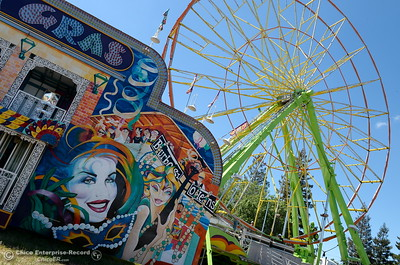 Rides are getting set up as things get underway at the Silver Dollar Fairgrounds in Chico, Calif. Wednesday May 25, 2016. (Bill Husa -- Enterprise-Record)