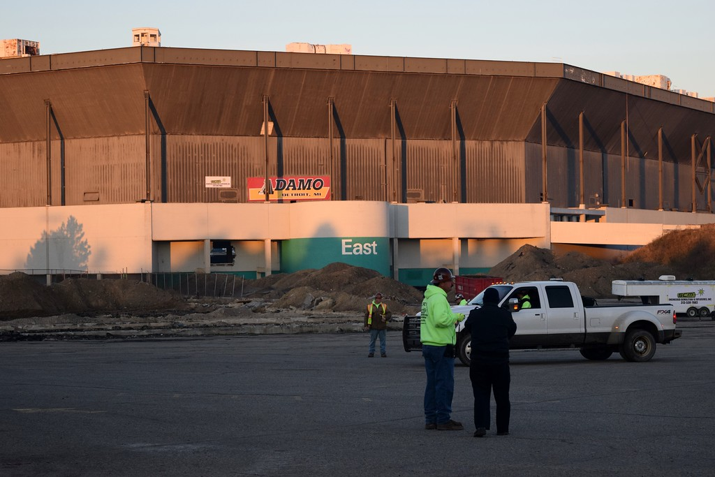 . The implosion of the Pontiac Silverdome took place in front of a crowd of hundreds of people in its parking lot off of Opdyke Road. The structure did not fall, however, after about 10 percent of the explosives failed to detonate on Sunday, Dec. 3, 2017.
