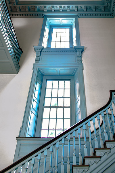 Stairwell with double windows