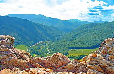 MOUNTAINS FRAMING SENECA ROCKS