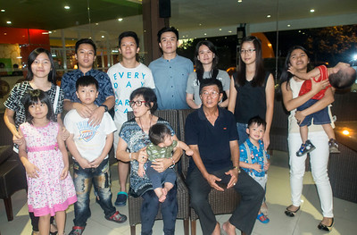Eggie & MeiLing Tanimena with  their 12 grandchildren