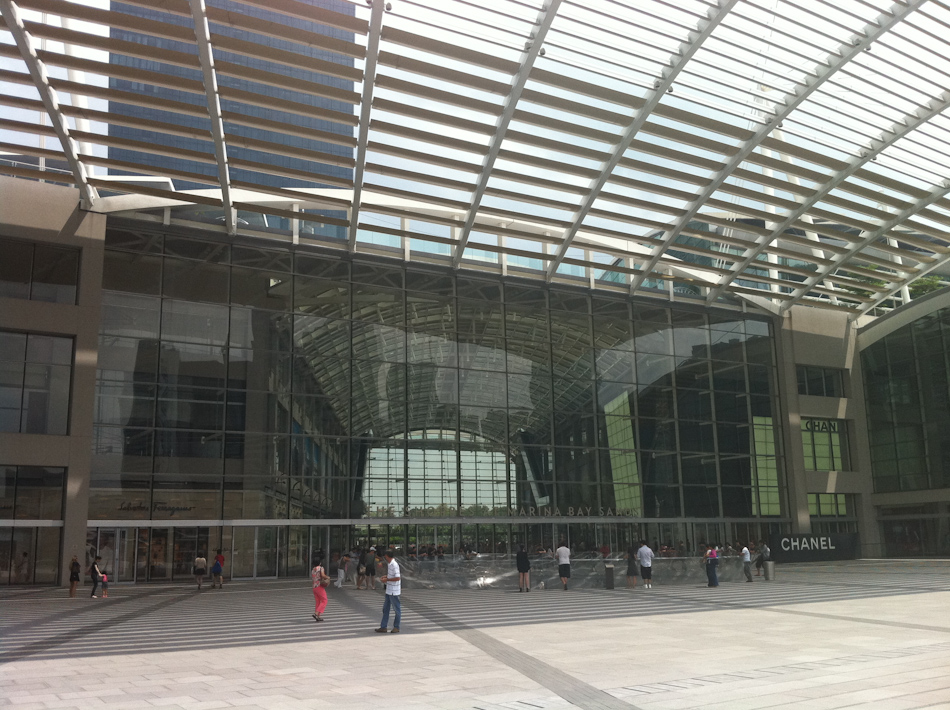Marina Bay Sands - The Shoppes. Part of the concourse outside the complex