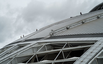 Fixing the roof at the new National Stadium