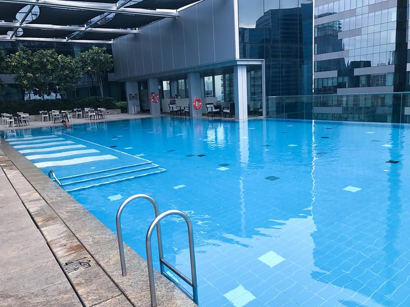 westin singapore hotel infinity pool