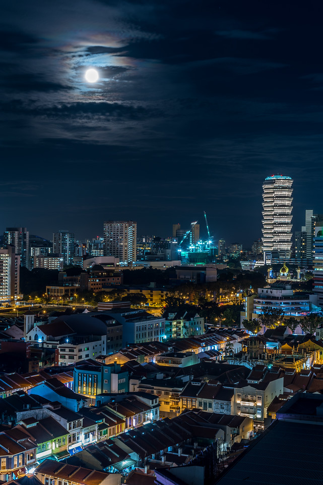 Full moon over Rochor.