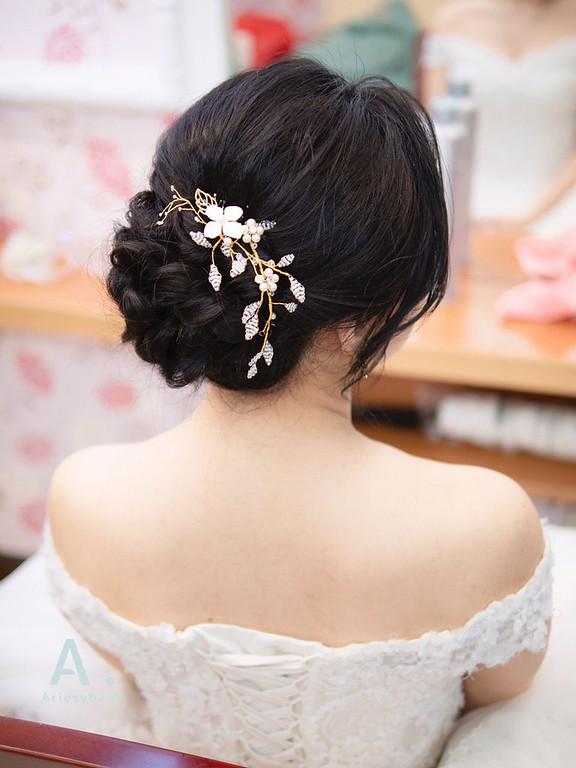 新祕,Ariesybaby造型團隊,黑髮新娘,細軟髮新娘,花藝造型,白紗進場造型