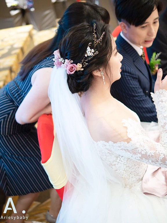 新祕,Ariesybaby造型團隊,白紗造型,自然清透妝感,花藝造型