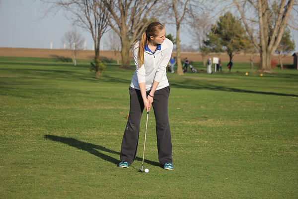 Siouxland Conference girls' golf at Sheldon 4-11-17
