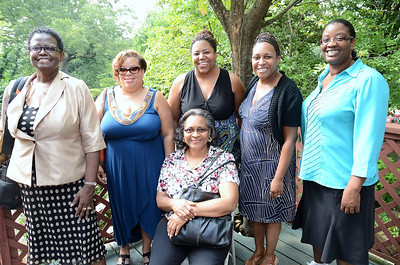 My family showed their support - Cousins Claudette Blessitt, Mechelle Johnson, Hazel Menefee, Dawn Williamson, Dawn's friend Lorna Jefferson & Linda Williamson (seated).