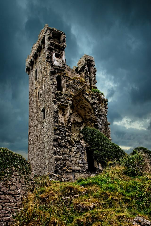 Shan Mukinish Castle, County Clare, Ireland