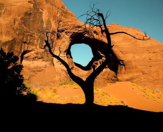 Monument Valley Hole in the Wall
