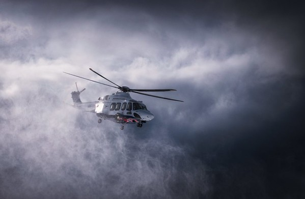 """Felix Inden 2018 – www.felixinden.com """"I was incredibly lucky that I got this shot… it was not thought or anything. I just saw it coming, fired away and luckily had the right settings from shooting out of the heli before of this moment. Don´t plan to much. embrace spontaneity. be there and be ready."""""""