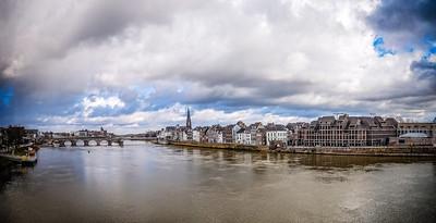 49/365 - Panorama van Maastricht III