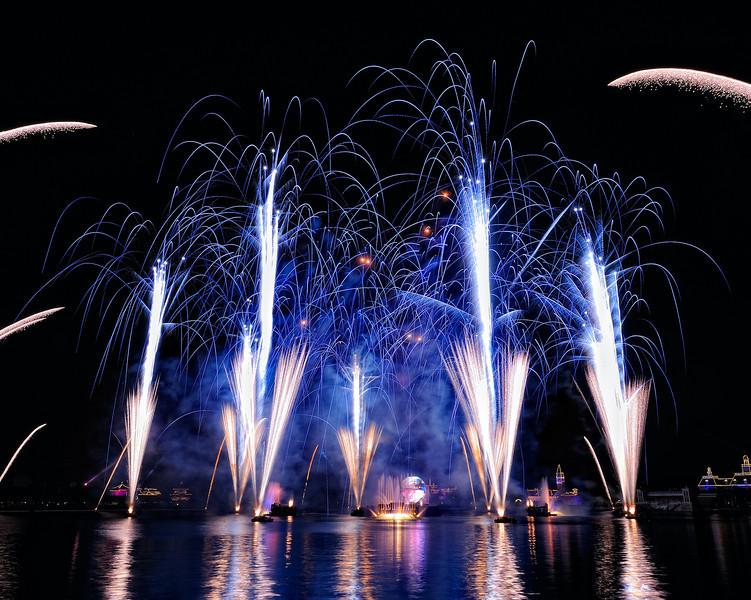 Walt Disney World 6s, at f/19 || E.Comp:0 || 24mm || WB: INCANDESCENT 0. || ISO: 200 || Tone:  || Sharp:  || Camera: NIKON D700on: 2010:01:05 22:12:37