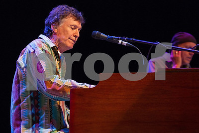 Steve Winwood in Concert - Los Angeles, Calif