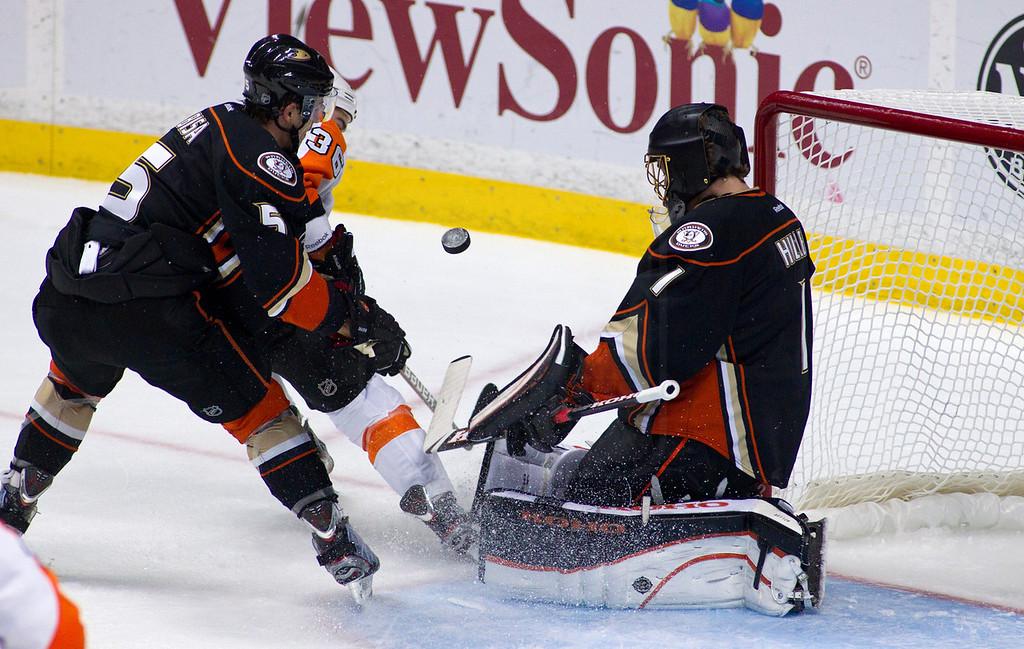 NHL:  December 2 Flyers at Ducks