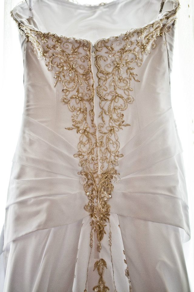 details of the back of wedding dress