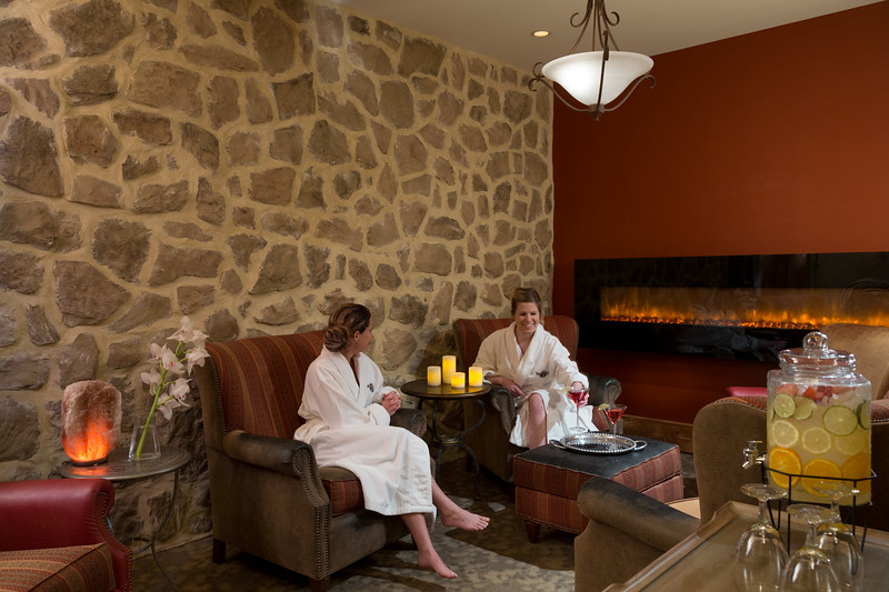 Leola-Village-19-Spa-RestingRoom-3