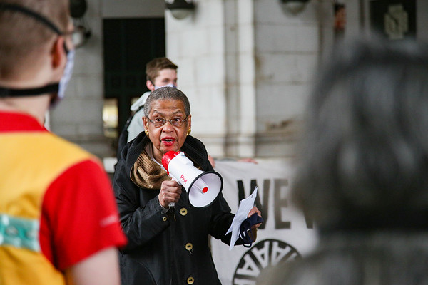 Congresswoman meets with climate activists at Union Station
