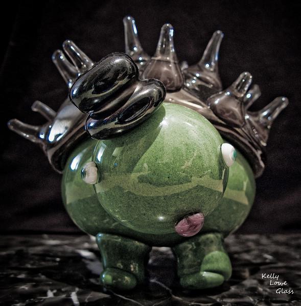 Porkutort:<br /> <br /> Glass Creature<br /> <br /> Kelly Lowe Glass