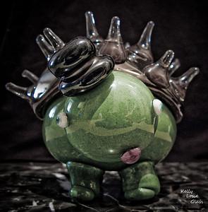 Porkutort:  Glass Creature  Kelly Lowe Glass