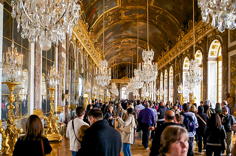 Crowd in Hall of Mirrors