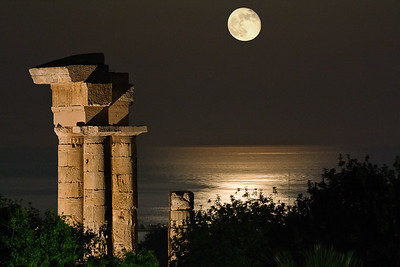 Acropolis Moonlight