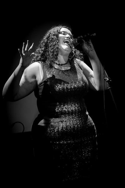 Luna Nightingale Singer